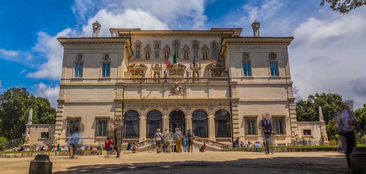Borghese Gallery Tour: view of the entrance of the museum