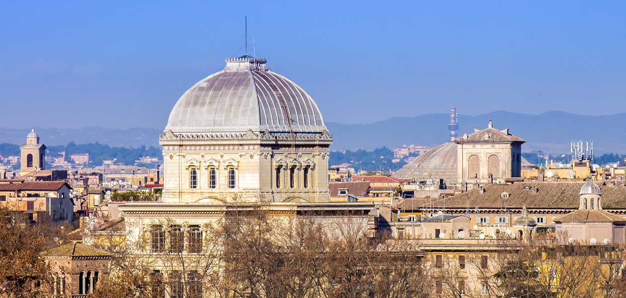 View of the Sinagogue during the Jewish Ghetto Rome Walking Tour